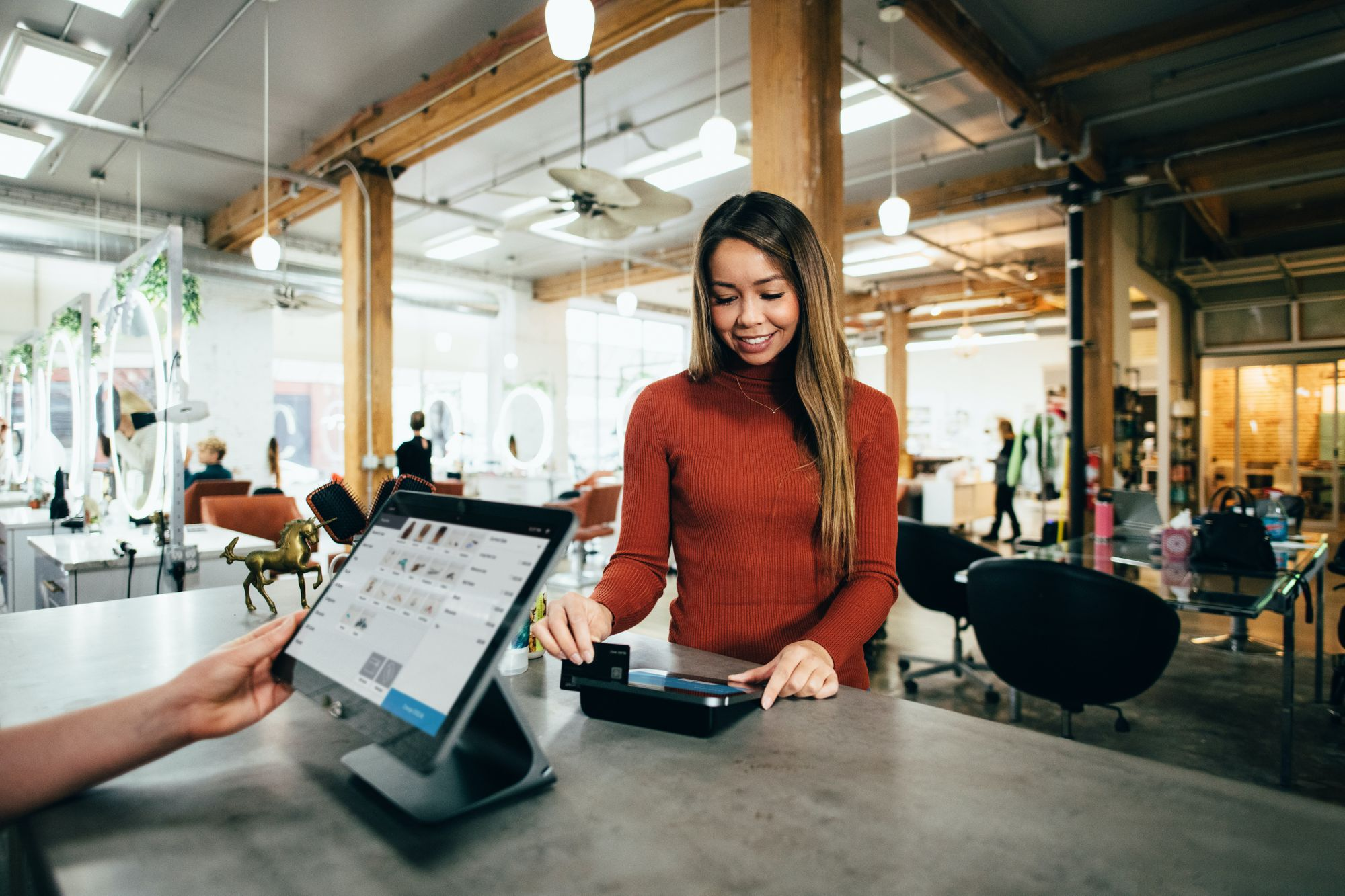 B2B Payment Solutions; Top 7 Factors to Consider Before Choosing a Business Payments Solution - Fliqpay blog